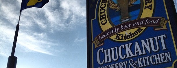Chuckanut Brewery & Kitchen is one of Tempat yang Disukai Daniel.