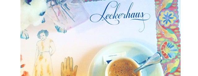 Leckerz Confeitaria is one of Helem'in Beğendiği Mekanlar.