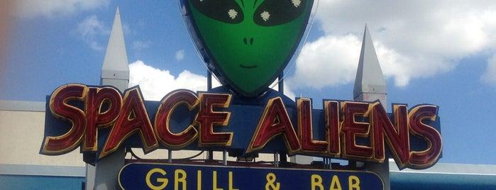 Space Aliens is one of Orte, die Brant gefallen.