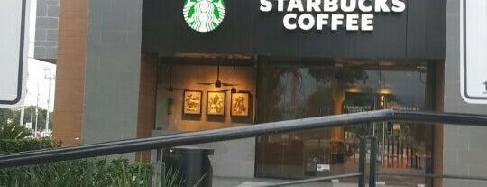 Starbucks is one of Posti che sono piaciuti a Barbie.