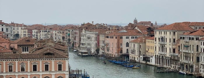 T Fondaco dei Tedeschi by DFS is one of Venice - 2018.