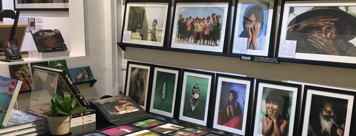 Rehahn Gallery is one of Orte, die Ricky gefallen.