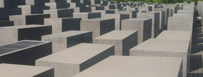 Мемориал памяти убитых евреев Европы is one of Berlin exploration.