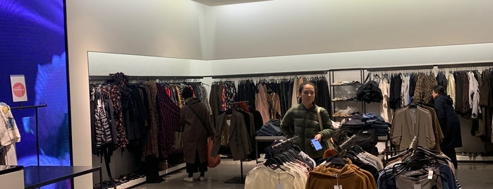 Zara is one of Rachelさんのお気に入りスポット.