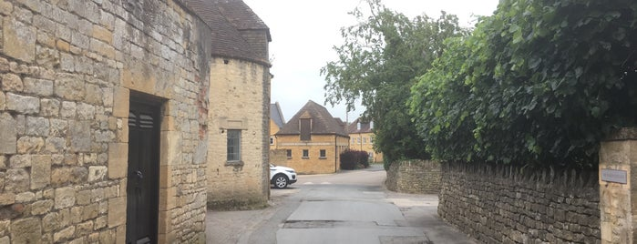 The Lygon Arms is one of Want to Try Out New.