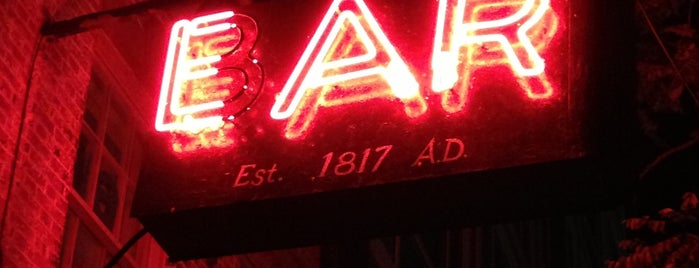 Ear Inn is one of 8 Scarily Good Haunted Spots to Eat/Drink in NYC.