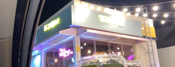 Tropika Cafe is one of Queen'in Kaydettiği Mekanlar.