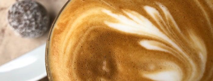 Papua Cafe is one of Locais curtidos por Robin.