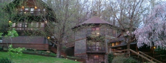 Guesthouse Lost River is one of F&W's Coziest Restaurant.