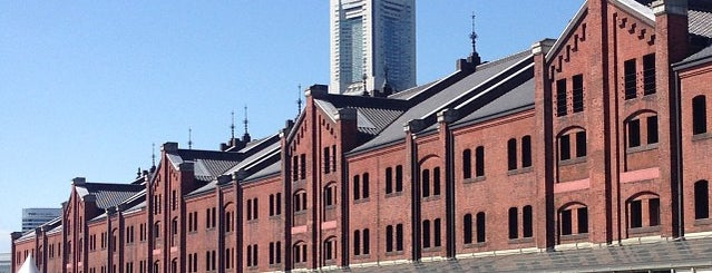 Yokohama Red Brick Warehouse is one of Lugares favoritos de Hideo.