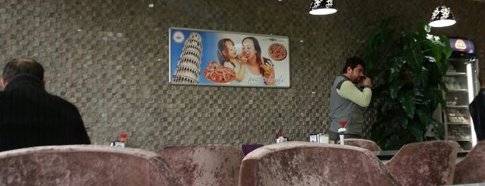 Moda Cafe is one of Lieux qui ont plu à Zeynep.
