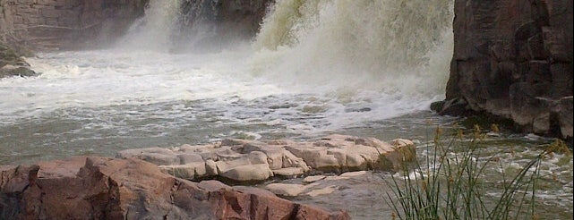 Sioux Falls Bike Trail - Falls Park and Downtown is one of Top Things to do in Sioux Falls.