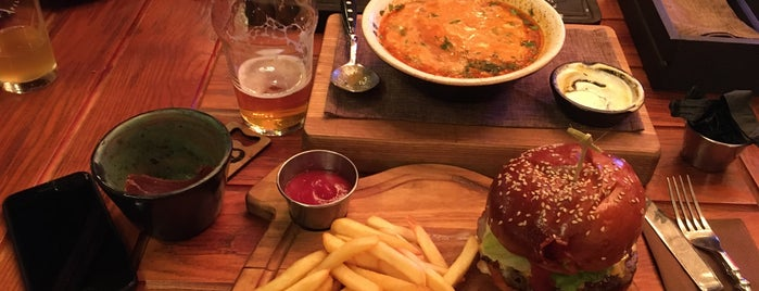 Syndicate Beer & Grill is one of Locais curtidos por Gernot.