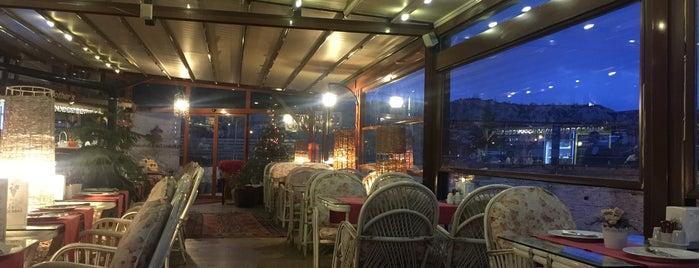 My Mother's Cafe & Restaurant is one of Tuğçe'nin Beğendiği Mekanlar.