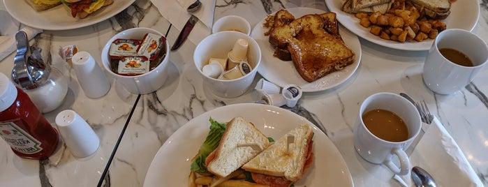 Evivva Restaurant is one of Toronto.