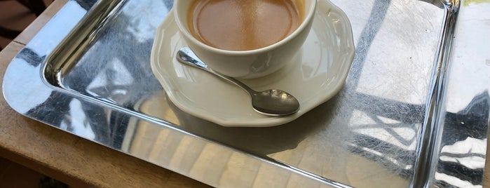 Café Renoir is one of 2do.