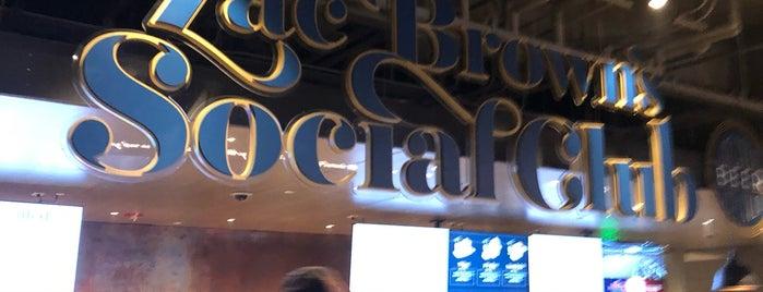 Zac Brown's Social Club is one of สถานที่ที่ Jenni ถูกใจ.