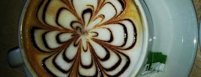 Primo Café is one of Posti che sono piaciuti a Veronica.