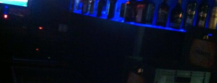 Blue Jazz Bar is one of Orte, die Mahide gefallen.