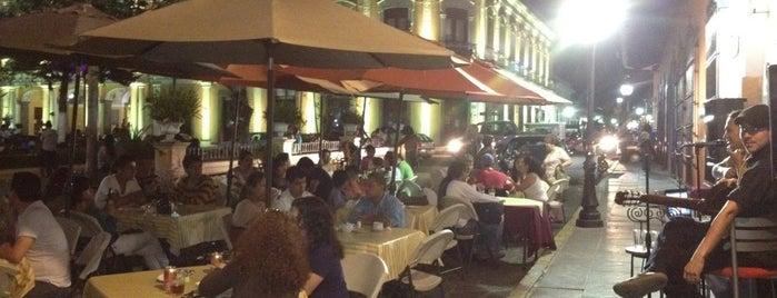 Cafetería La Vereda is one of Locais curtidos por Paula.