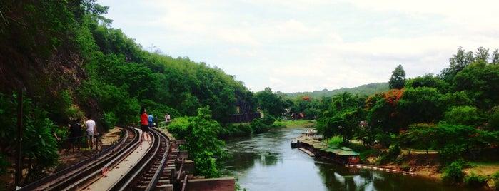 ป้ายหยุดสะพานรถไฟถ้ำกระแซ (Saphan Tam Krasae) SRT4072 is one of Locais curtidos por 高井.