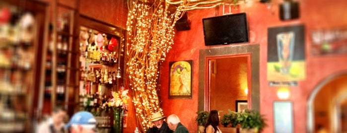 Hank's San Miguel de Allende is one of Jhalyv : понравившиеся места.