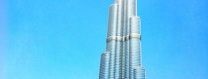 Burj Khalifa is one of Locais curtidos por Marina.