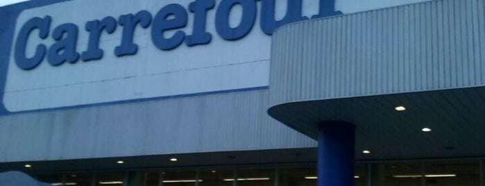 Carrefour is one of Supermercados.