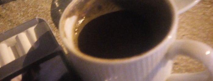 Candan Bistro Cafe is one of Sibel'in Kaydettiği Mekanlar.