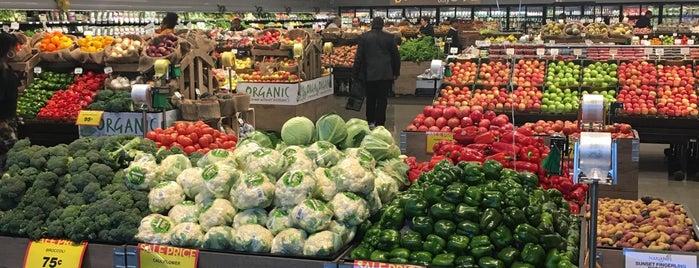 Mariano's Fresh Market is one of Orte, die Mamadou gefallen.