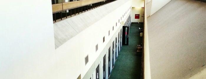 UT Butler School of Music is one of JoAnn : понравившиеся места.