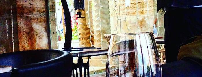 HB lounge & bar is one of Posti che sono piaciuti a Jimena.