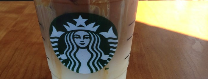 Starbucks is one of Estela : понравившиеся места.