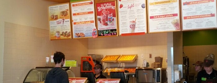 Jamba Juice is one of Aaronさんのお気に入りスポット.