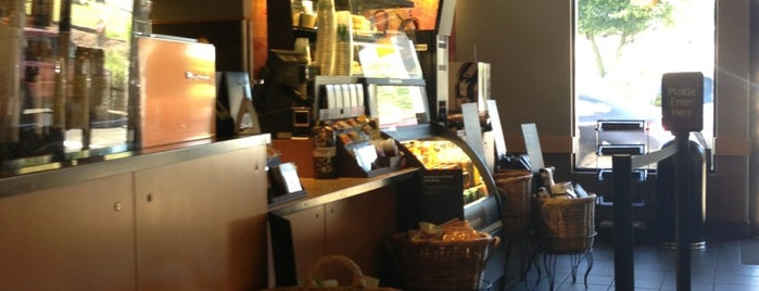 Starbucks is one of Posti che sono piaciuti a Julie.