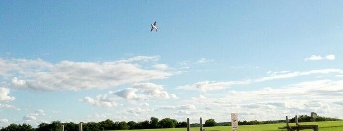 Poplar Creek Model Airplane Flying Field is one of Wheaton.