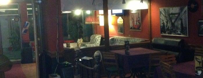 Esila Cafe is one of Lugares favoritos de Selim.
