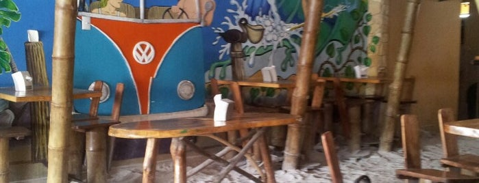 Sus Amigos Beach House is one of Heredia.