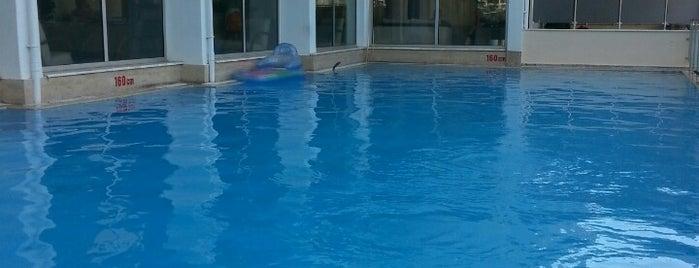 Hotelus Royal is one of Posti che sono piaciuti a Elif.