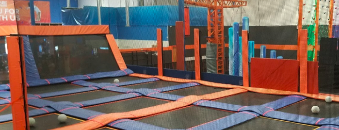 Sky Zone is one of Jakobさんのお気に入りスポット.