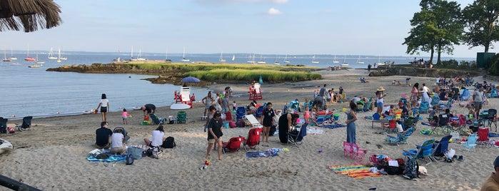 Larchmont Manor Beach is one of Justin'in Beğendiği Mekanlar.