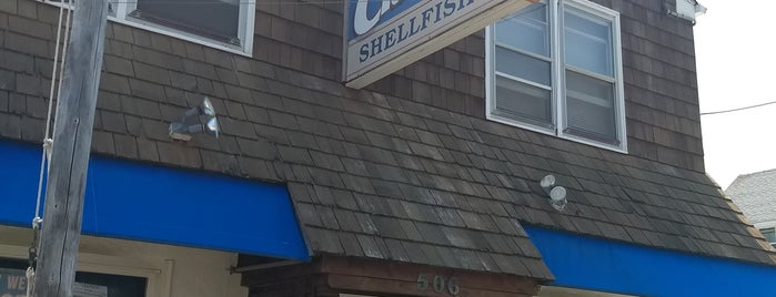 Harvey Cedars Shellfish Company is one of Jo-Annさんの保存済みスポット.