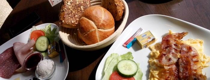 Schmidt Bäckerei und Cafe is one of Business trip.