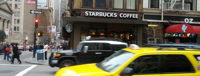 Starbucks is one of Tempat yang Disukai Katie.