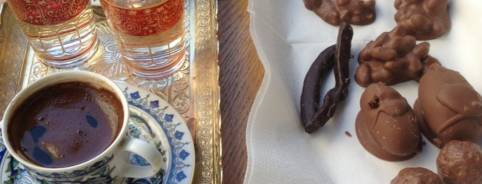 Çikolata Dükkanı is one of Istanbul Sweets   Cafe.