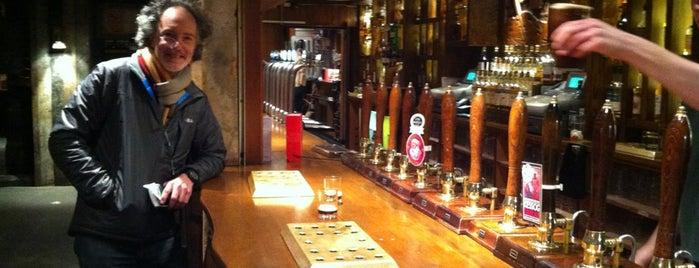 Clachaig Inn is one of Locais curtidos por Carl.