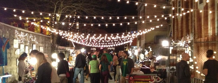 Frenchmen Art Market is one of New Orleans.