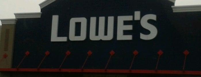 Lowe's is one of สถานที่ที่ Michael ถูกใจ.