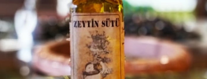 adramut zeytin / zeytinyağı boutique is one of Posti che sono piaciuti a Erdem.
