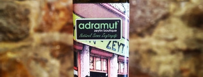 adramut zeytin / zeytinyağı boutique is one of Lieux qui ont plu à Erdem.